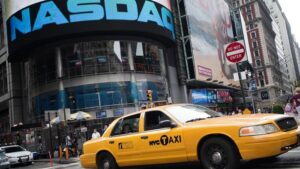 Dow to Outperform vs. Nasdaq if Inflation Fears Force Fed Rethink